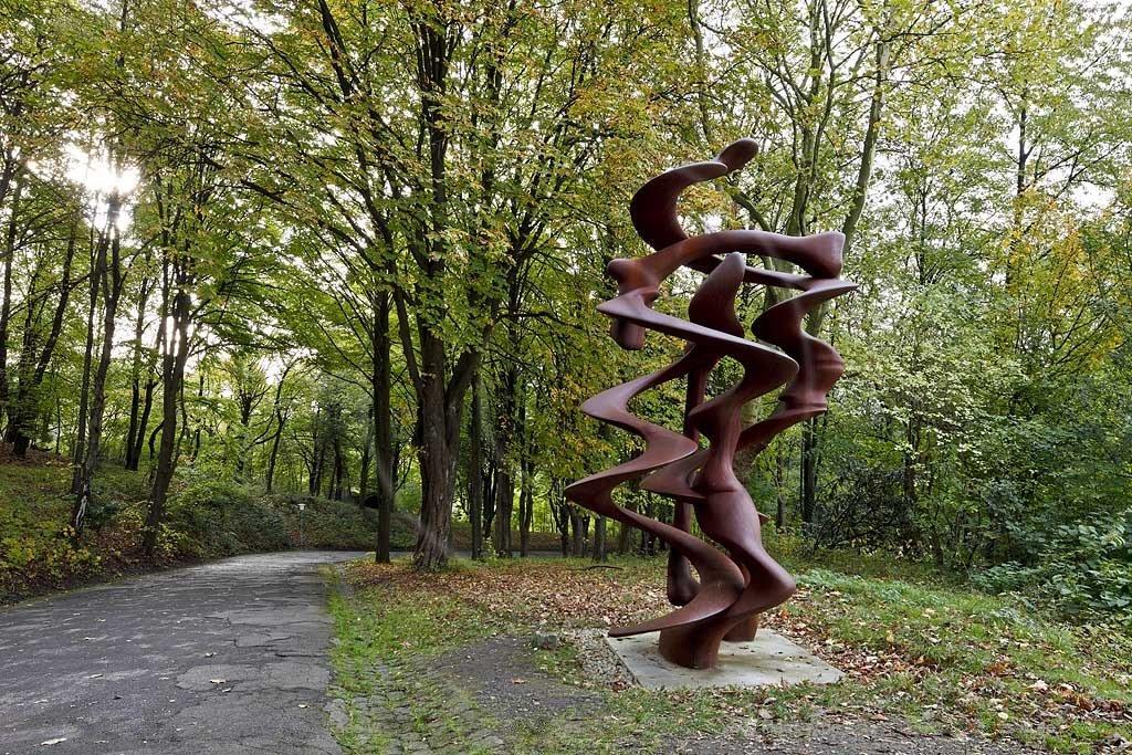 Выставка «Тони Крэгг. Скульптура ирисунки»
