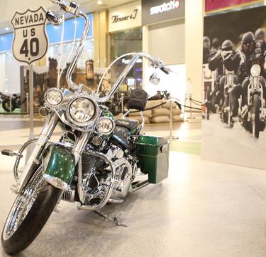 Выставка мотоциклов вТЦ Галерея