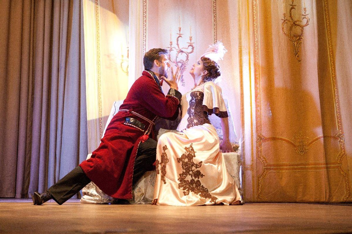 Оперетта «Летучая мышь» насцене дворца княгини Зинаиды Юсуповой