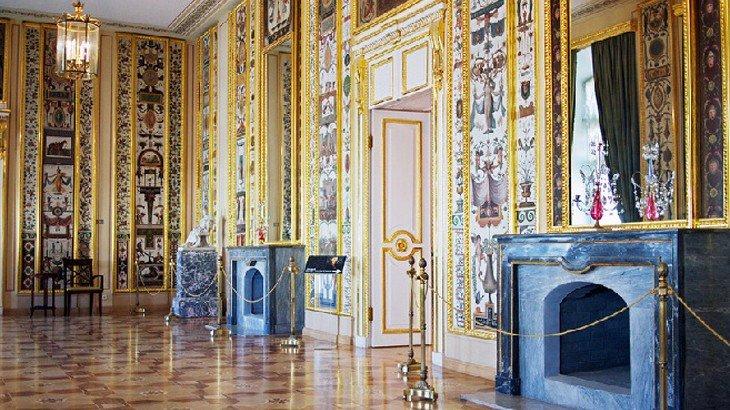 Рождественские экскурсии вСтрогановском Дворце