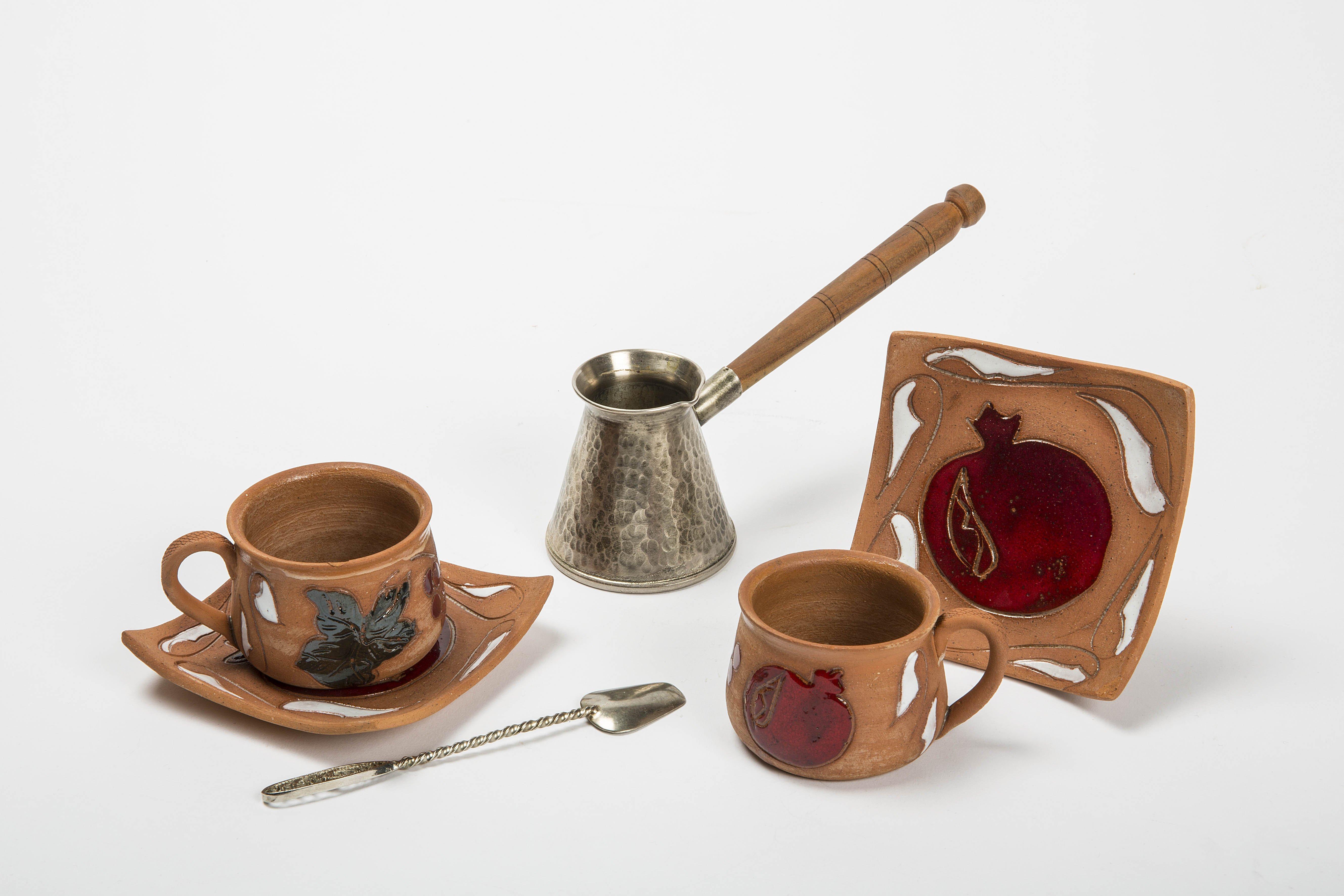 Выставка «Чай икофе сцеремониями ибез»