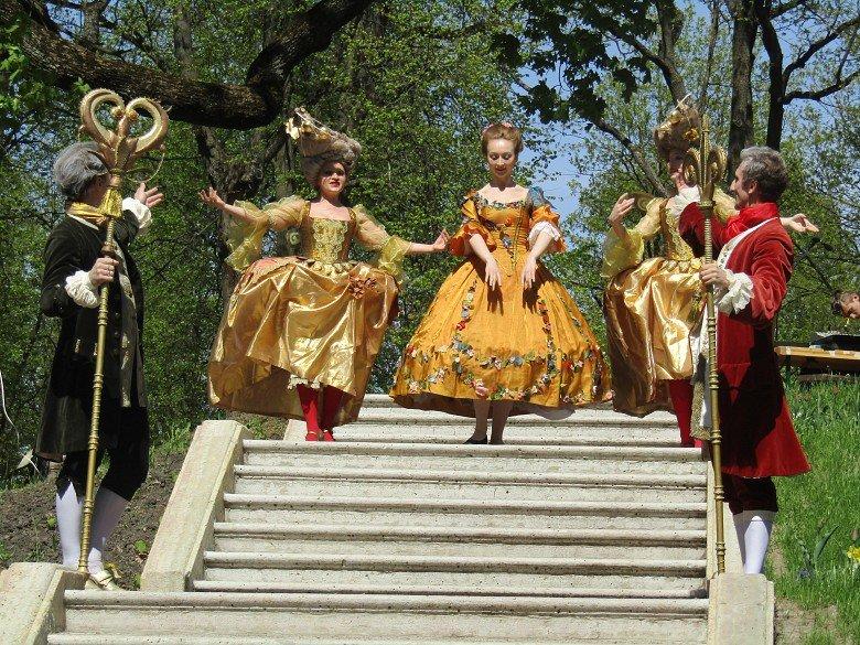 Праздник открытия летнего паркового сезона вмузее-заповеднике Гатчина