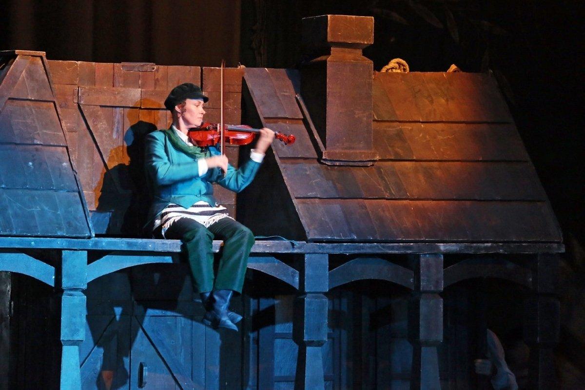 Мюзикл «Скрипач накрыше»