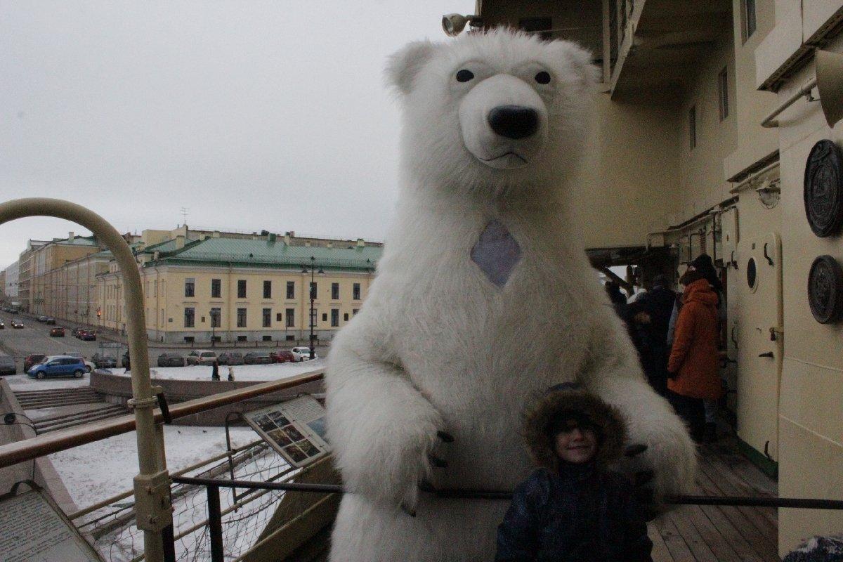 День Белого медведя наледоколе Красин