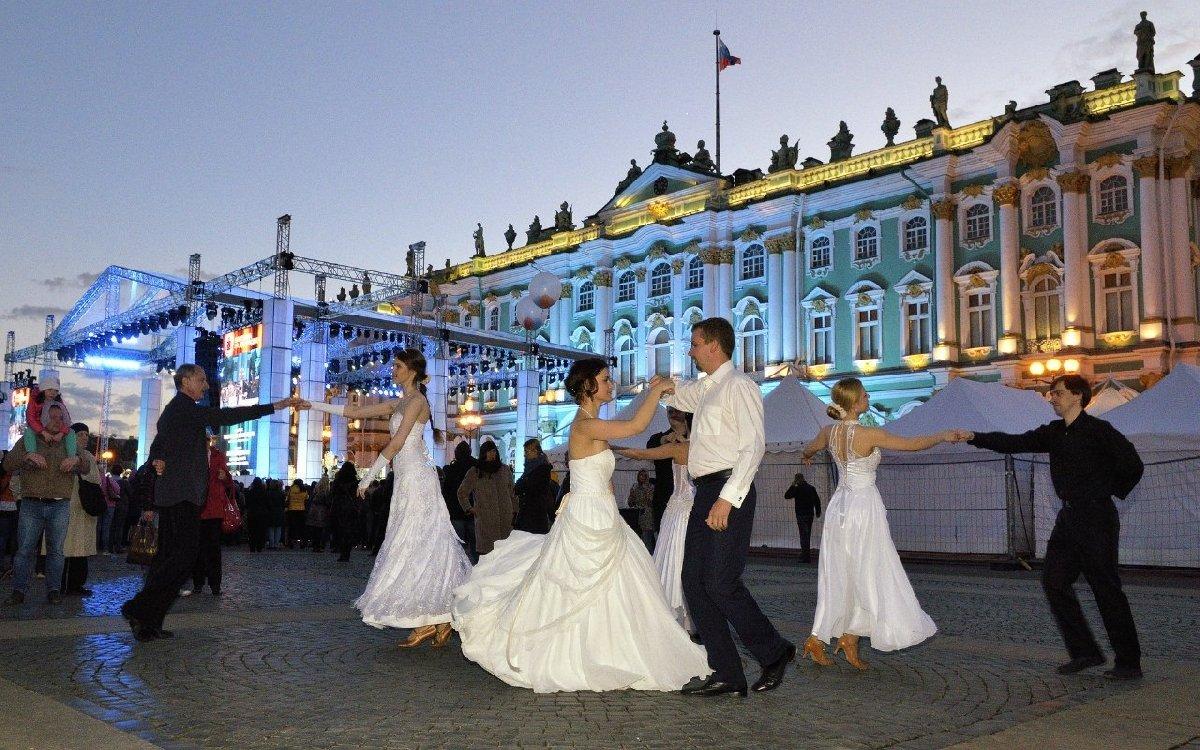 Бальные танцы настрелке Васильевского острова 2017