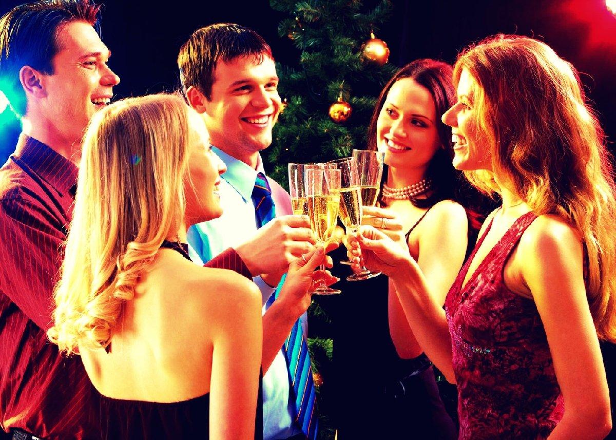 с празднике знакомство друзьями на