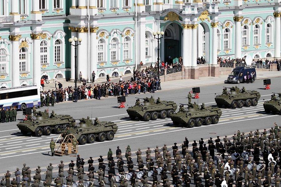 Парад войск наДворцовой площади 2016