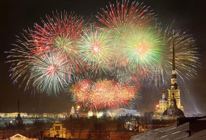 Новогодняя ночь 2018 вСанкт-Петербурге