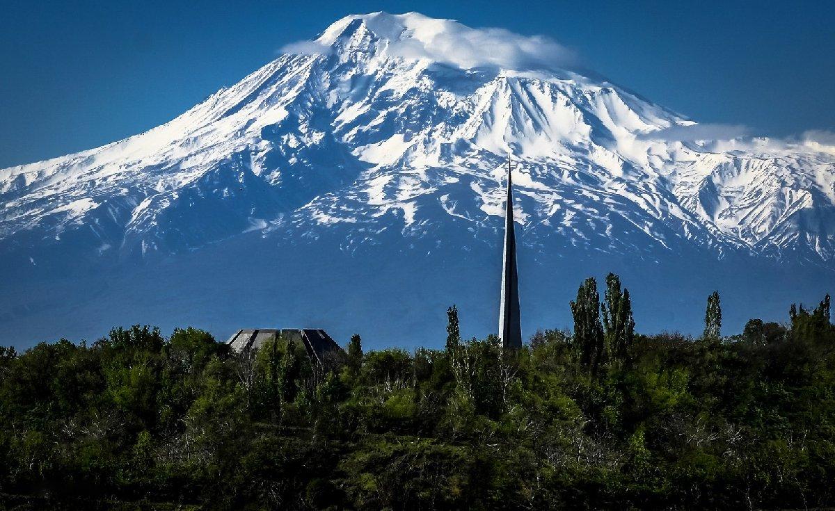 Выставка «Ереван. Город илюди»