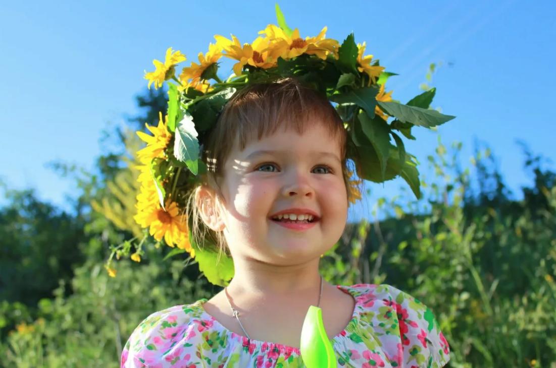 Детский мастер-класс «Весенний головной убор собъёмными цветами»