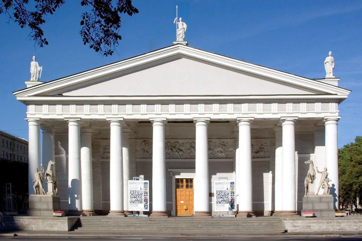 Открытие выставочного центра «Манеж» вСанкт-Петербурге лето 2020