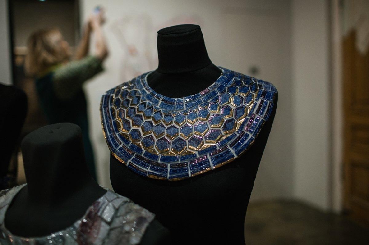 Выставка «Фарфоровая мода отТатьяны Чапургиной»