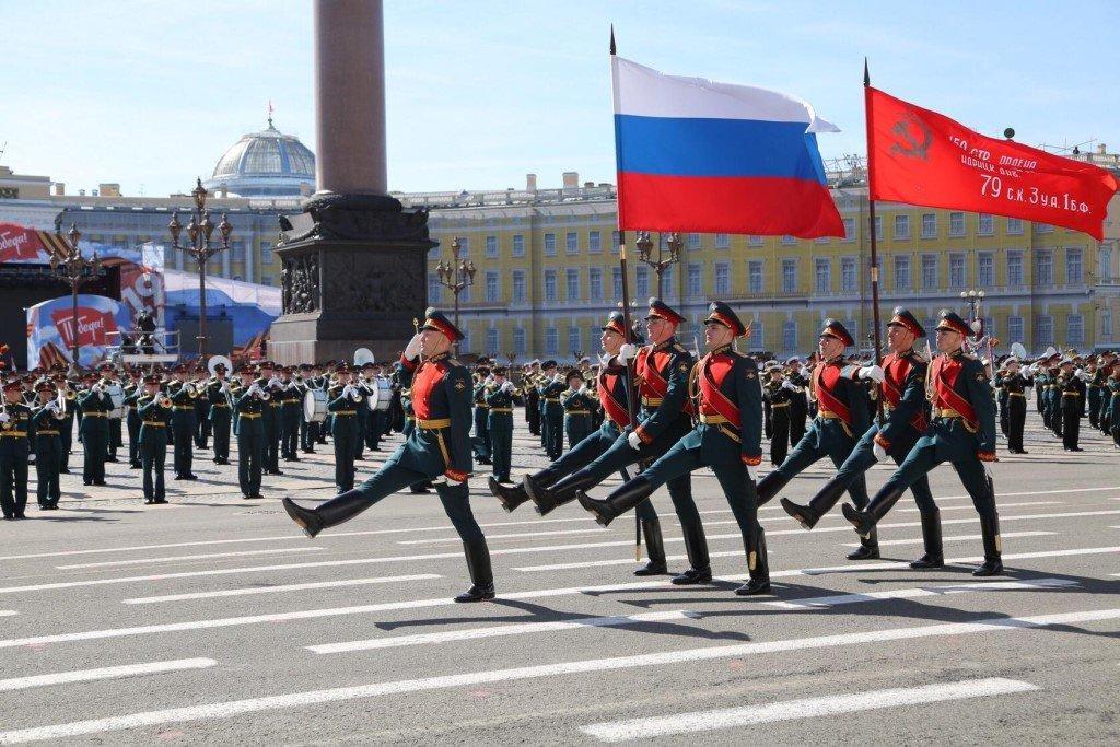 Тренировки парада к75-летию Победы наДворцовой площади