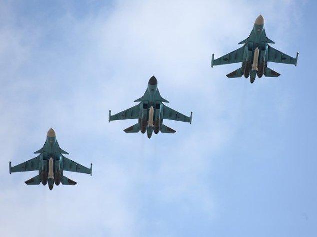 Воздушный парад вгороде Пушкин 2017