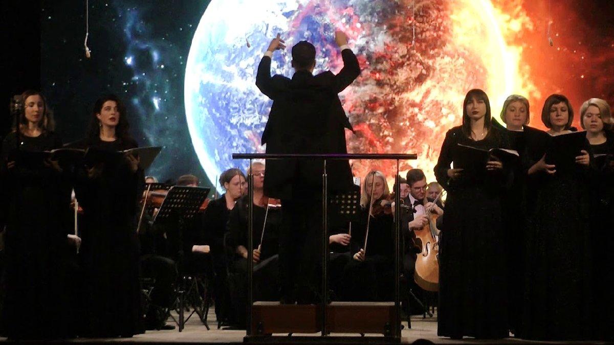 Онлайн-концерт «Мировые хиты 90-х. Симфонический оркестр ихор»