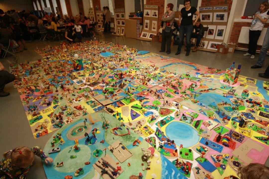 Выставка «Краски детства» 2016