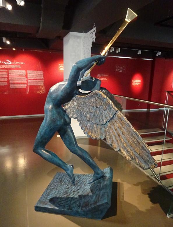 Выставка «Скульптуры Сальвадора Дали»