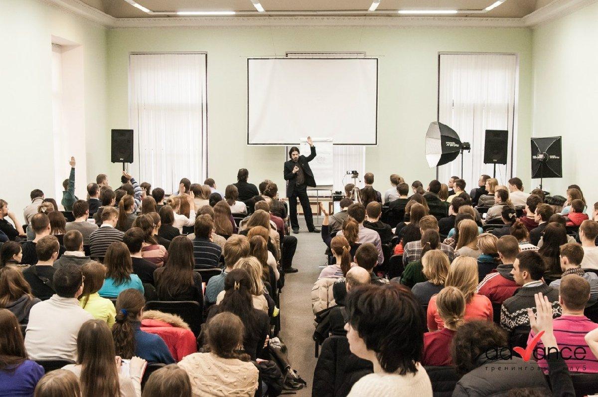 Бесплатная презентация детских образовательных программ центра Advance