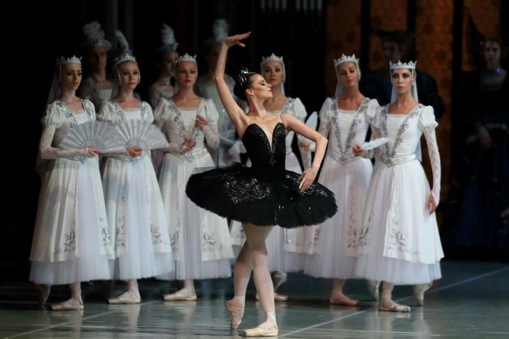 Балет «Лебединое озеро» вАлександринском театре