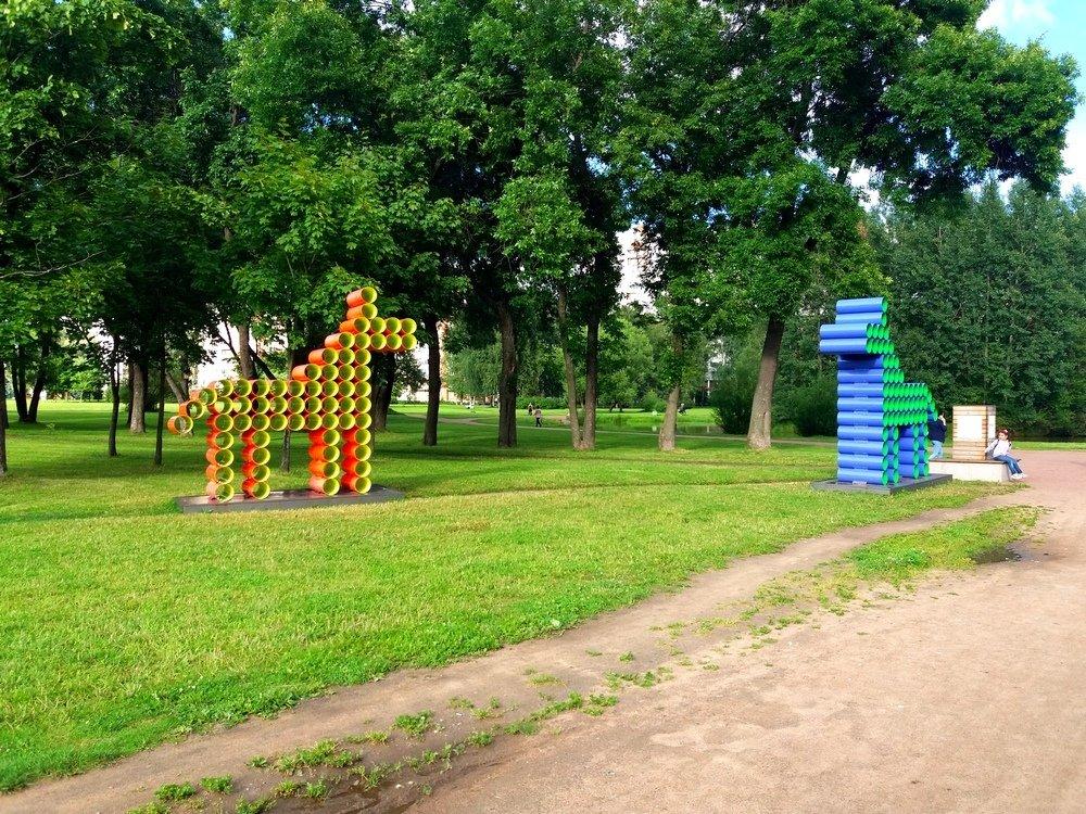 Выставка «Summer Garden/Летний сад» всаду Бенуа