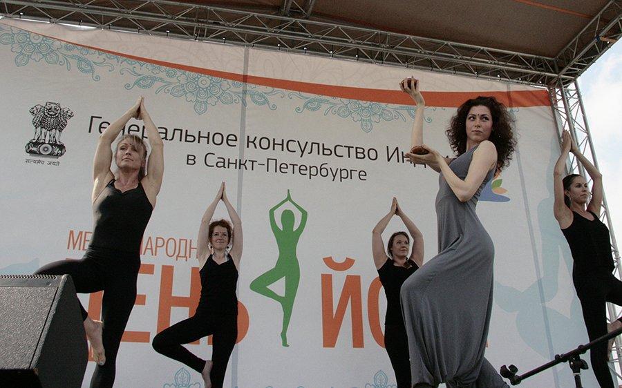 Международный день йоги вСанкт-Петербурге 2017