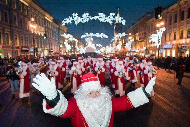 Флешмоб Дедов Морозов наДворцовой площади 2015