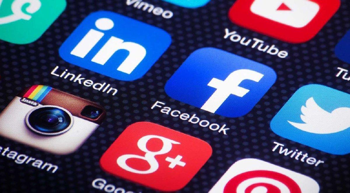 Выставка «Социальные медиа: привычка ксовместности»