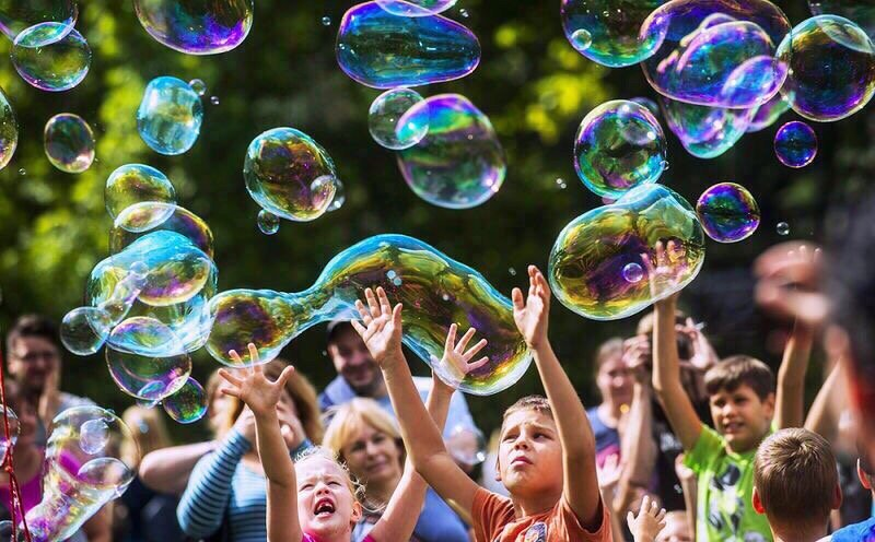 Фестиваль мыльных пузырей впарке Сказок 2019