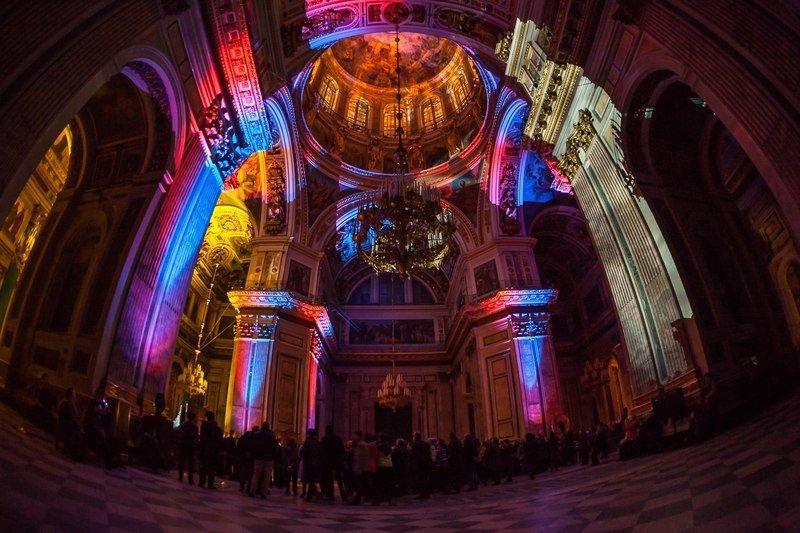 Музыкально-световое представление вИсаакиевском соборе