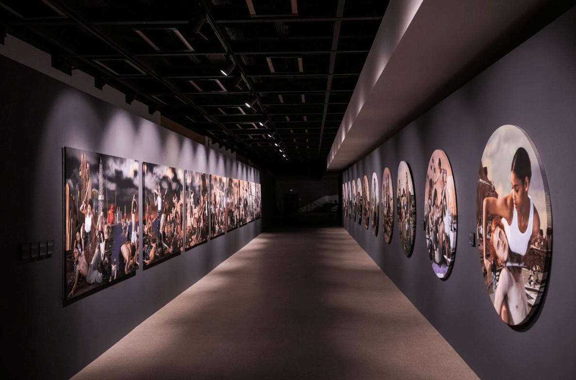 Выставка «AES+F. Предсказания иоткровения»