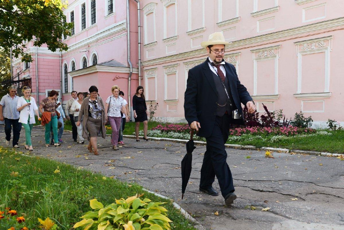 Бесплатная экскурсия «Чехов вартистическом кругу»