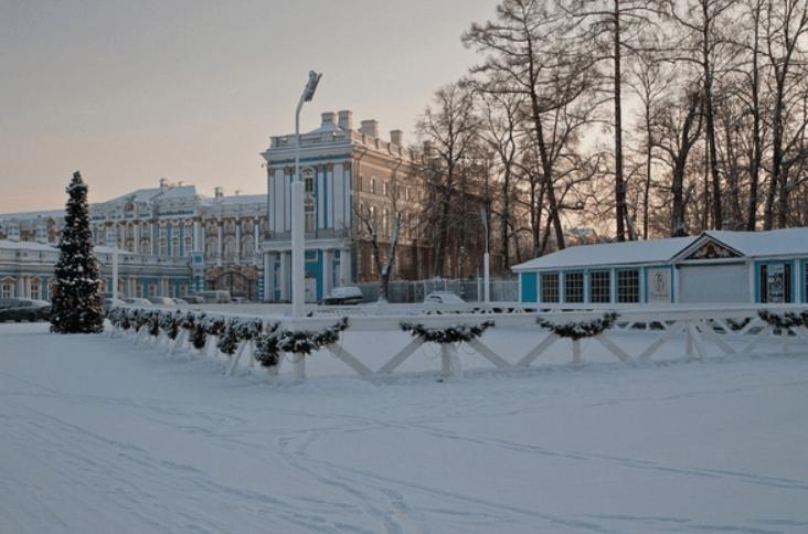 Каток наТреугольной площади вЦарском селе 2018/19
