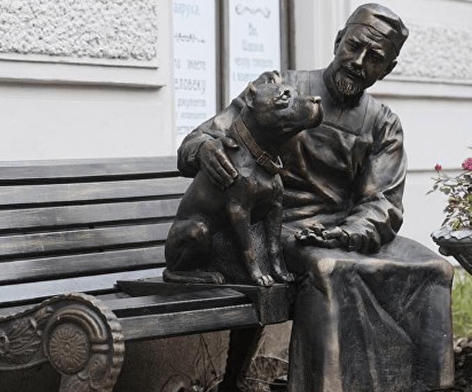 Памятник героям фильма «Собачье сердце»