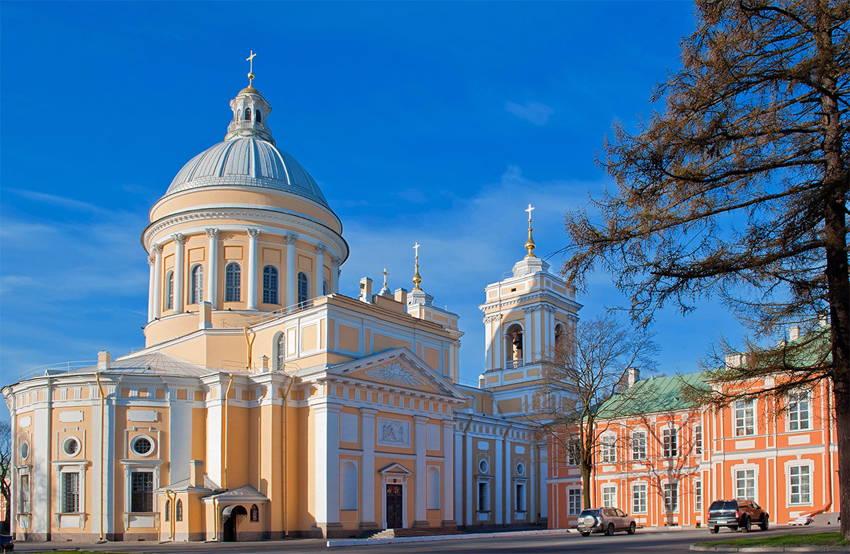 Экскурсия «Лавра. Первый монастырь города»