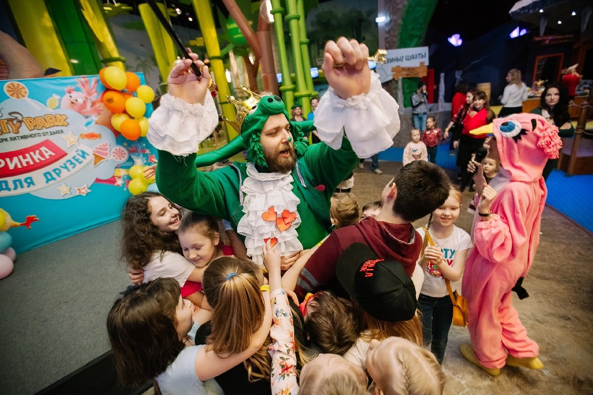 Детский день Рождения в«Angry Birds Activity Park»