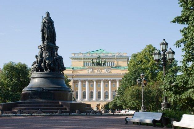 Площадь писателя Островского