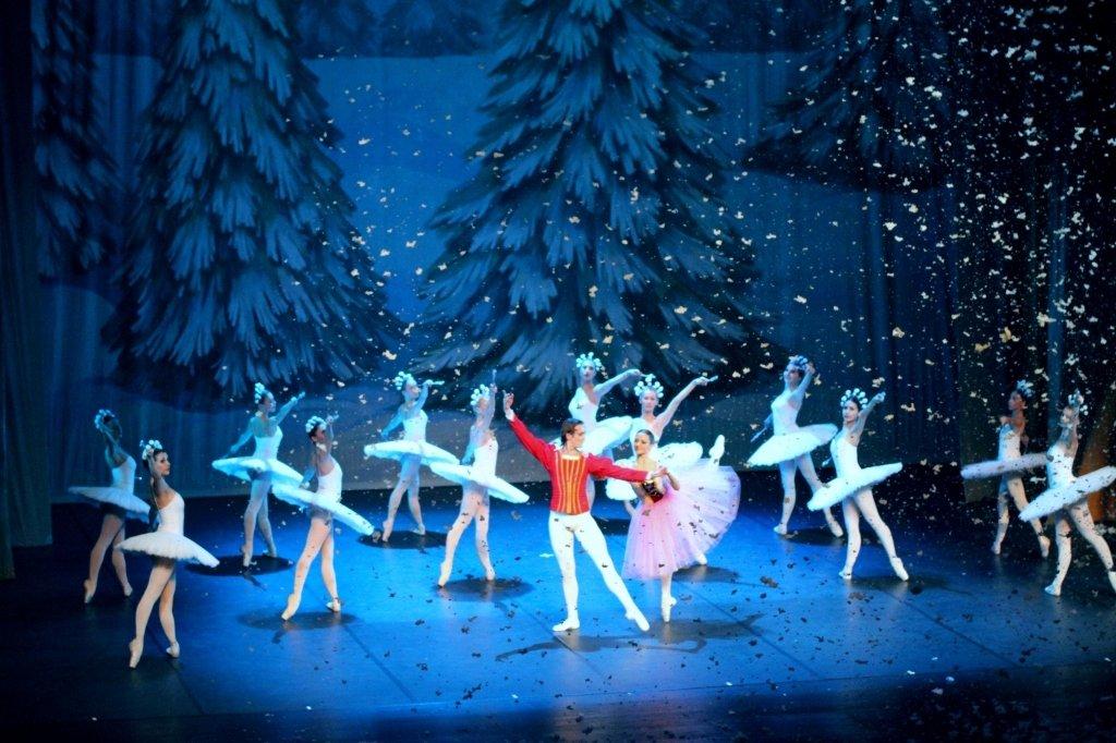 Показ балета «Щелкунчик» вНовой Голландии
