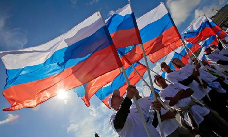 День флага вПетербурге наДворцовой площади 2016