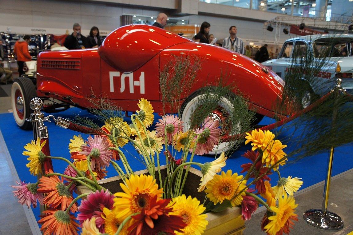 Выставка старинных автомобилей иантиквариата «Олдтаймер-Галерея» 2021