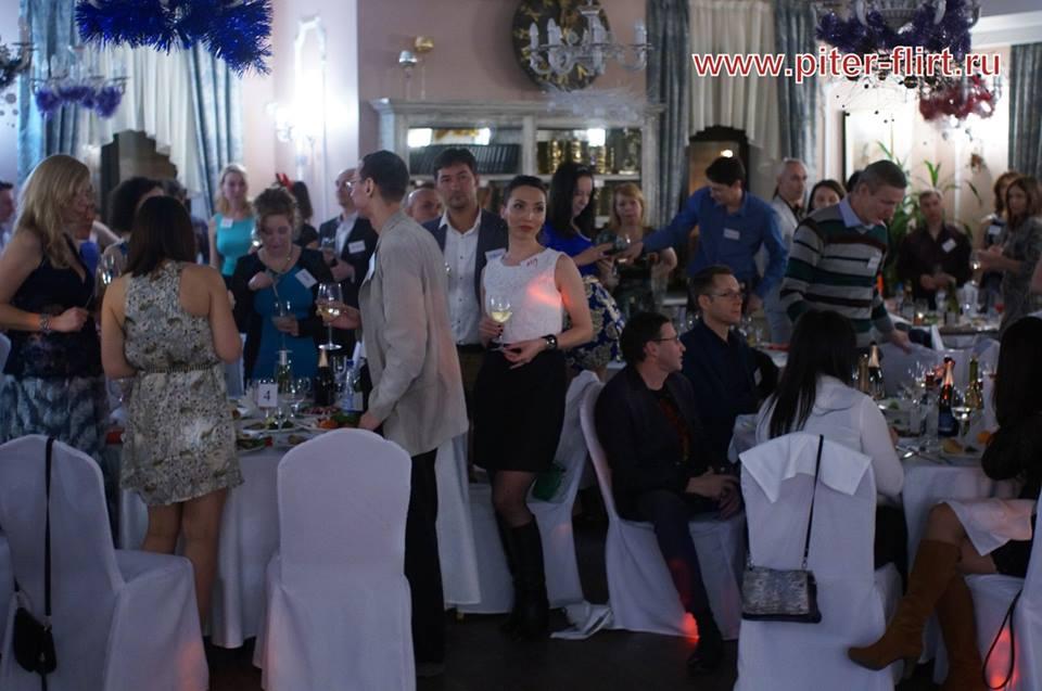 klub-znakomstv-v-pitere-pyanie-devushki