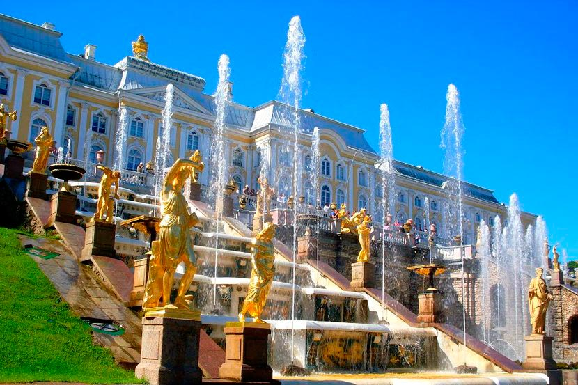 Пуск фонтанов вмузее-заповеднике «Петергоф» 2020