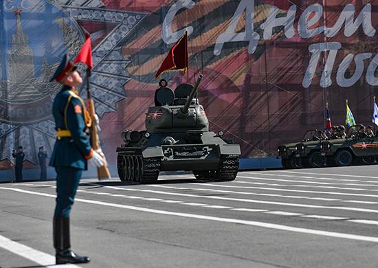 Парад Победы вСанкт-Петербурге 9 мая 2021