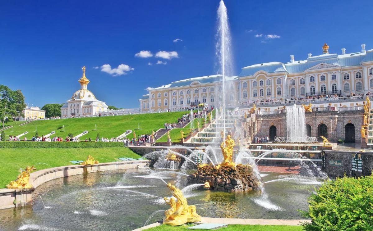 ВПетергоф наметеоре иНижний парк без очередей осенью 2021