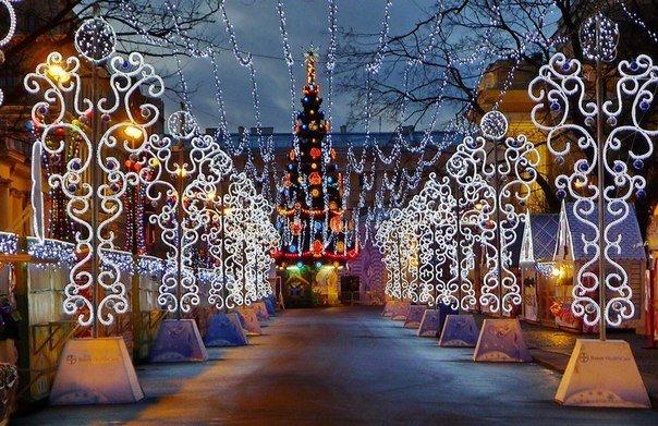 Большая Рождественская ярмарка наПионерской площади