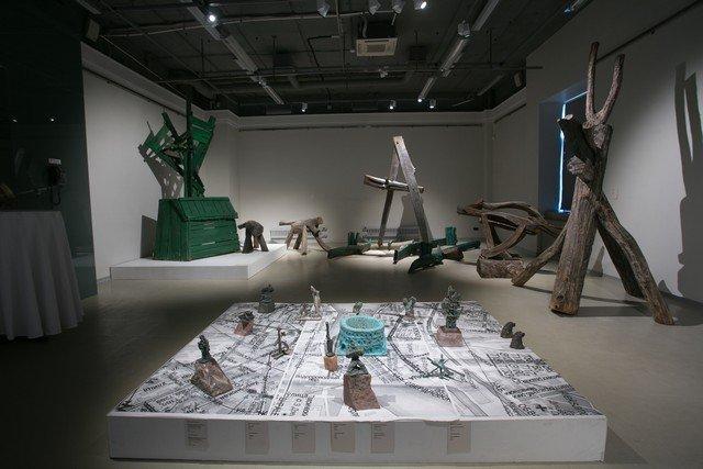 Выставка петербургских скульпторов Дмитрия Каминкера иего сына Даниила