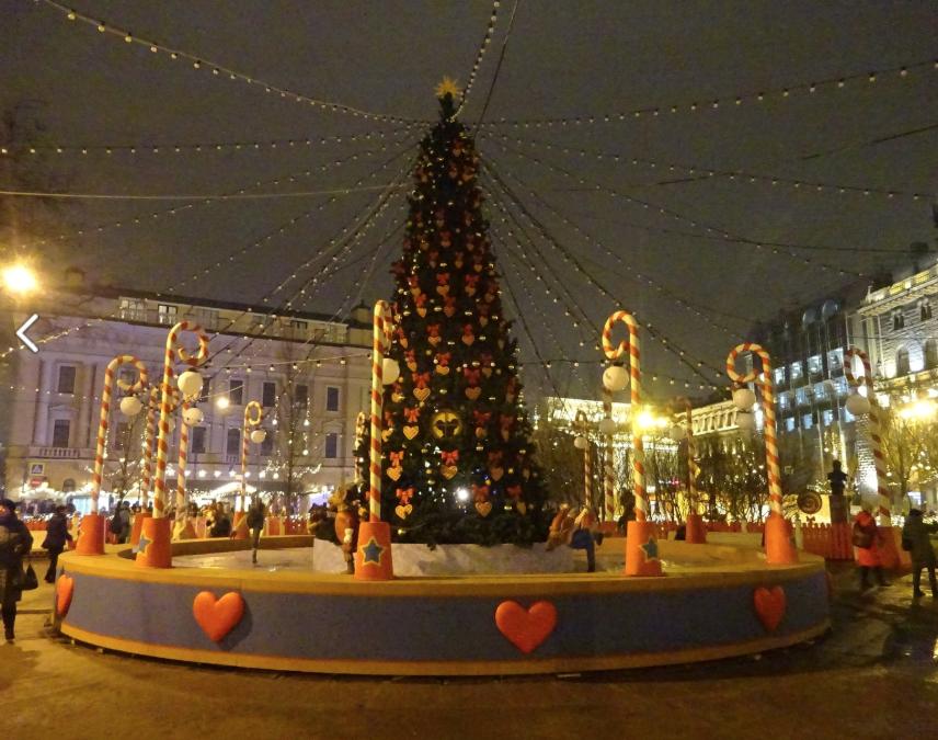 Рождественская ярмарка висторическом центре Санкт-Петербурга 2020