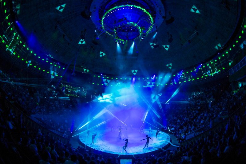Цирковое шоу «UFO. Цирк сдругой планеты»