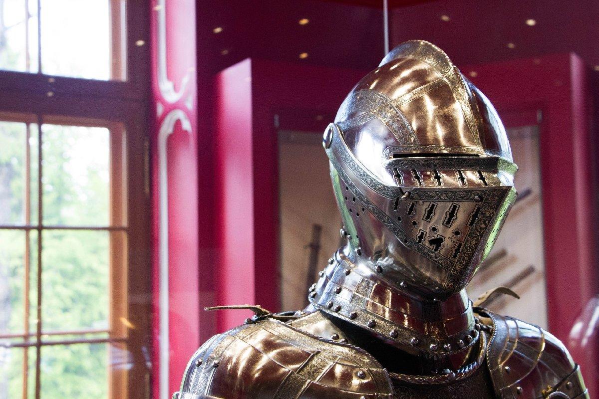 Выставка «Рыцарский доспех ХVI века изсобрания Государственного Эрмитажа»