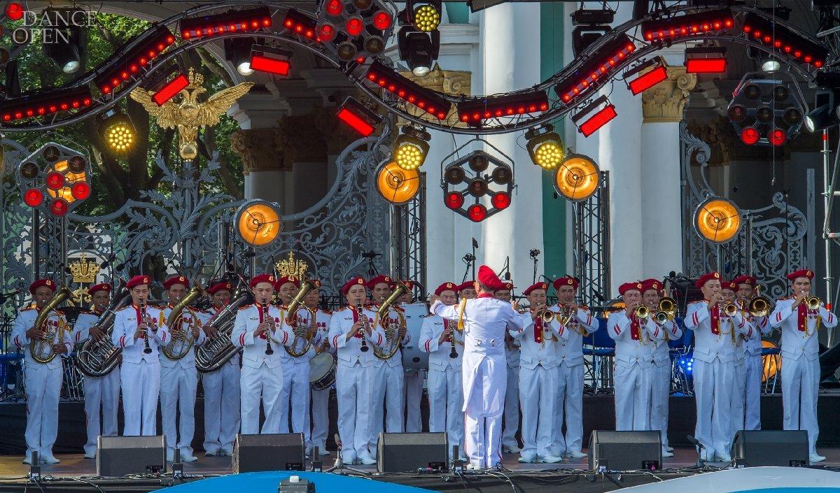Концерт кодню Военно-Морского флота наДворцовой площади 2019