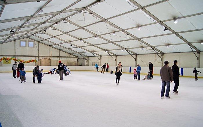 Ледовый каток «Айс-Град» впарке имени Бабушкина